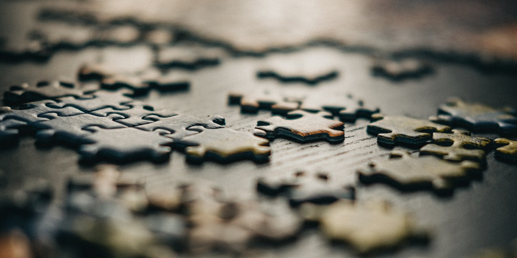 puzzle pieces, source: gabriel-crismariu-sOK9NjLArCw-unsplash