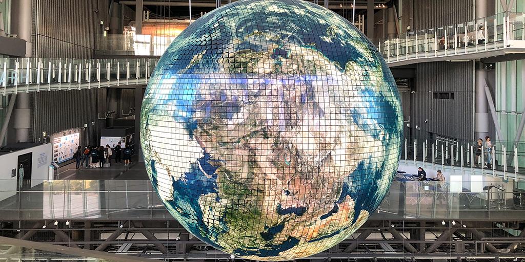 Image of illuminated  globe in technology museum. Published under CC0 Public Domain. https://unsplash.com/photos/oWKN3h9CnPs